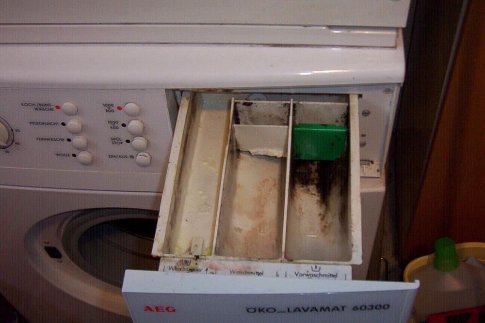 Çamaşır makinesi kirli deterjan gözü